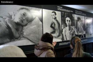 """fot. Kadr z filmu """"Holocaust - klej do tapet?"""""""